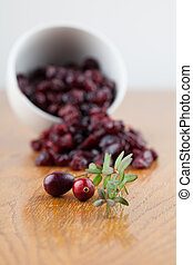Fresh and dried cranberries - Fresh organic cranberries and...