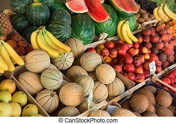 Fresh and organic vegetables at farmers market - Fesh...