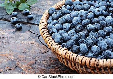 Fresh Blueberries - Fresh picked organic blueberries in a ...