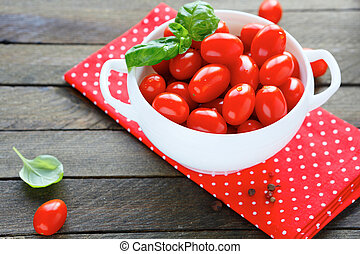 Fresh cherry tomatoes in a large bowl