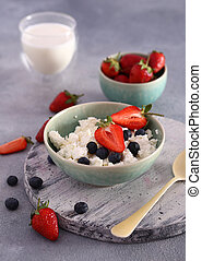 fresh cottage cheese with berries for breakfast