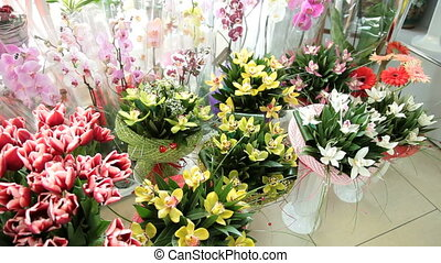Fresh Cut Bouquets In Flower Shop - Fresh Cut Bouquets...