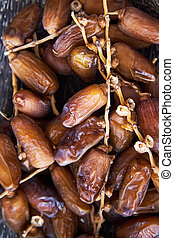Fresh dried dates