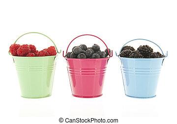 Fresh fruit in bowls