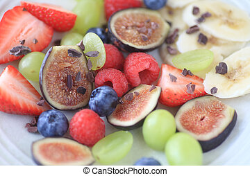 Fresh fruit plate with figs and ber