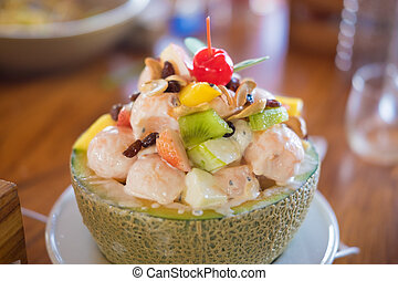Fresh fruit salad with cream sauce