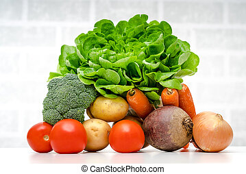 Fresh fruits and vegetables .