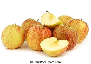 "fresh ""Fuji"" apples"