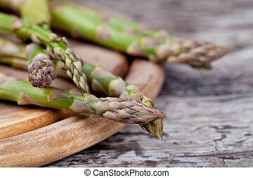 green asparagus - fresh green asparagus