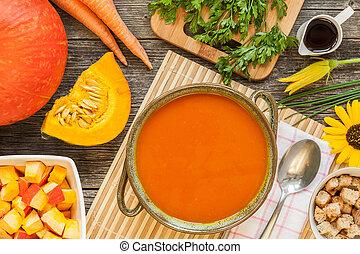 Fresh hokkaido pumpkin soup close up
