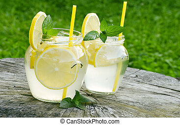 lemonade - fresh lemonade with mint an amazing drink