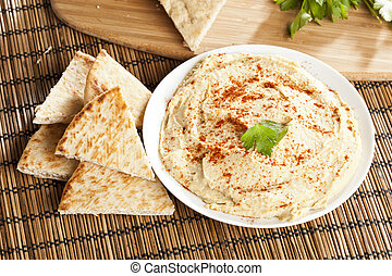 Fresh Made Organic Hummus with Pita Bread