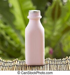 Milk strawberry flavor