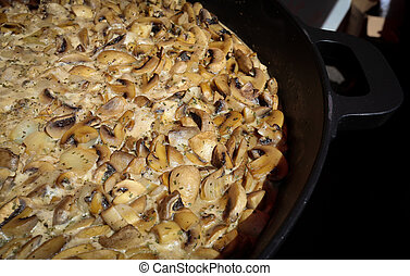 Fresh mushrooms in a creamy garlic sauce