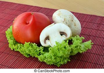 Fresh mushrooms with tomato