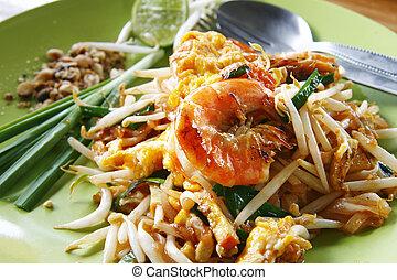 Fresh Pad Thai with shrimps