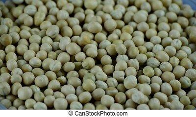 Fresh peas, grain food.
