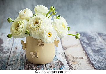 Fresh ranunculus - Bouquet of white ranunculus