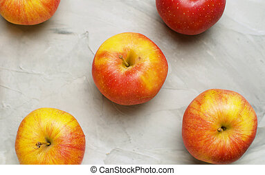 Fresh red and yellow apples