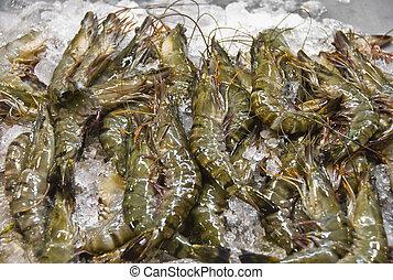 Fresh shrimps on ice in Philippine wet market