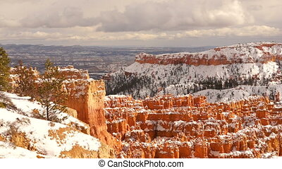 Fresh Snow Blankets Bryce Canyon Rock Formations Utah USA -...
