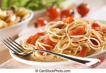 spaghetti - fresh spaghetti with tomato sauce on a plate...