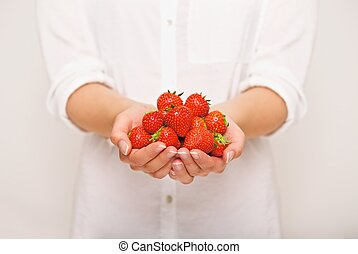 Fresh Strawberries for a Healthy Diet