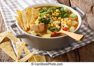 freshly, cozinhado, sopa tortilla, com, galinha, e, legumes,...