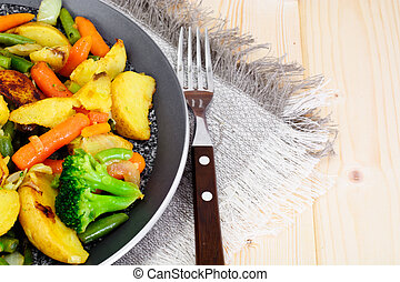 Fried Potatoes with Broccoli and Carrots
