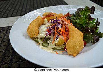 Fried shrimp salad cream with mix vegetable