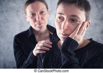 friend., femme, elle, consoler, triste, réconfortant