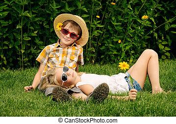 friends, на, , трава