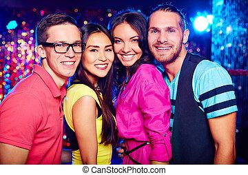 friends, an, nachtclub