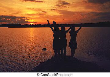 friends, an, sonnenuntergang