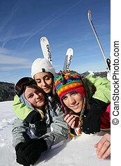 friends, reise, zusammen, ski fahrend