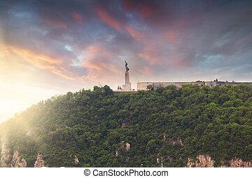 frihets staty, gellert, kulle, budapest, ungern