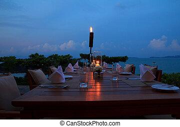 frilufts restaurang, middag, kväll, strand, sättande tabell