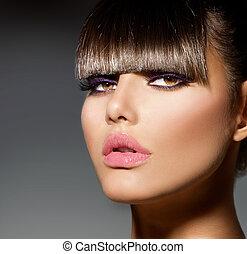 fringe., modelo moda, menina, com, trendy, penteado, e, maquilagem