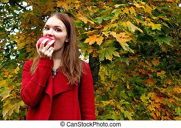 fris, etende vrouw, appel, vasthouden