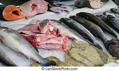 fris, forel, op, ijs, in, een, supermarket., verse vis, in, een, visje, shop.