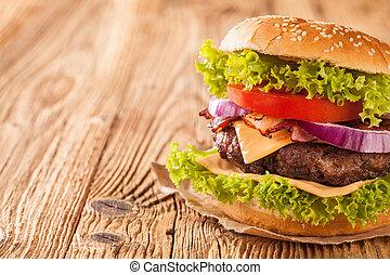 fris, hamburger, op, van hout grondslagen