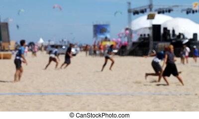 frisbee, plage, jouer, gens