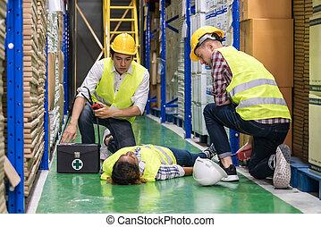 frist, accident., βοήθεια , αποθήκη , εργάτης , μετά