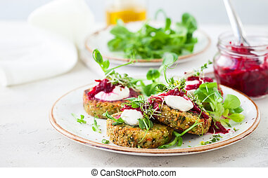 Fritters with quinoa, vegetables and flax seeds