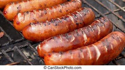 friture, sausages., fin, mouvement, gril, barbecue, rang, haut, lent, vidéo, placend, savoureux