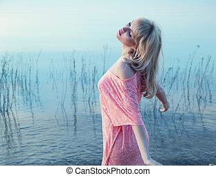 froid, eau lac, girl, apprécier, blond, sensuelles