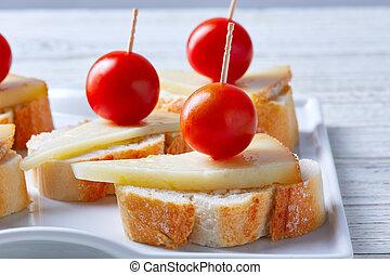 fromage, manchego, pinchos, tomates, cerise