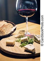 fromage, vin français, plat, rouges, pain
