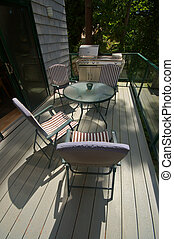 Front deck with outdoor table