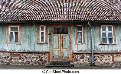 Front of an old house in Viljandi